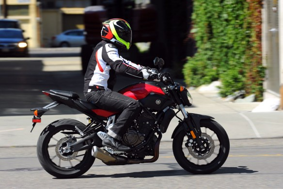 081314-best-value-winner-2015-yamaha-fz-07