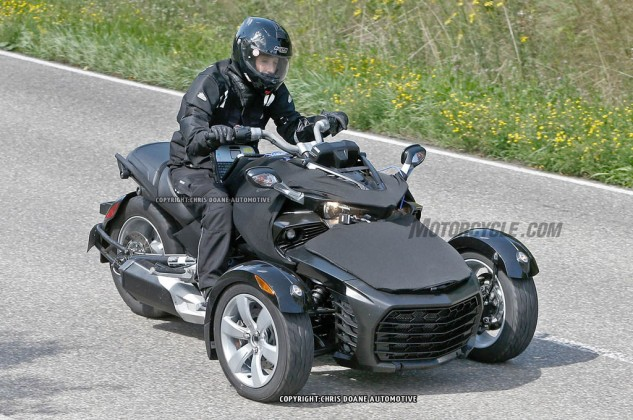081414-2015-can-am-spyder-second-generation-spy-01