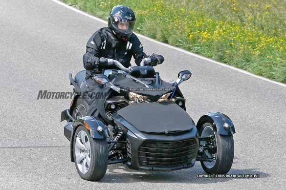 081414-2015-can-am-spyder-second-generation-spy-03
