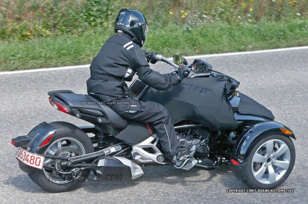 081414-2015-can-am-spyder-second-generation-spy-07