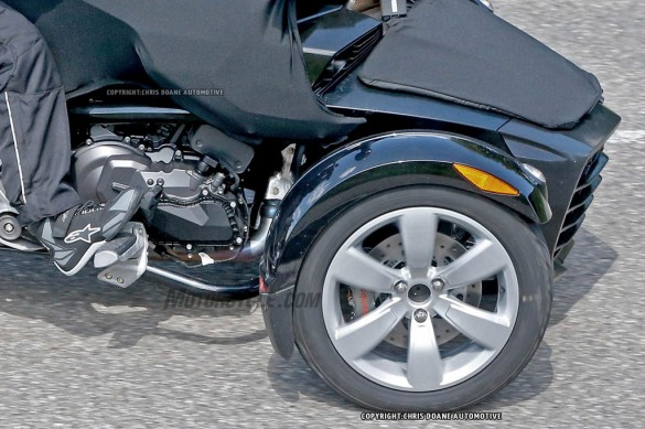 081414-2015-can-am-spyder-second-generation-spy-09