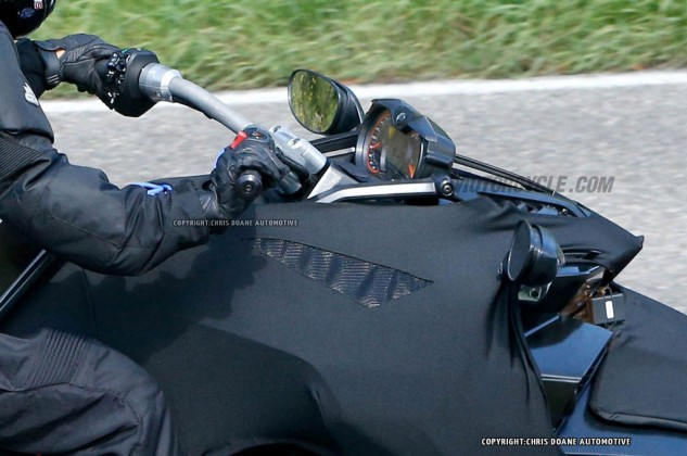 081414-2015-can-am-spyder-second-generation-spy-11