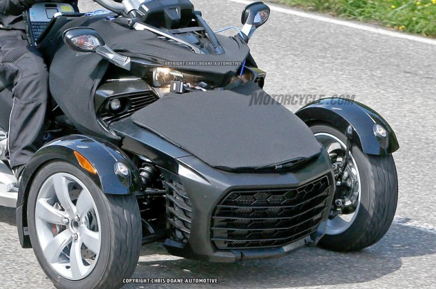 081414-2015-can-am-spyder-second-generation-spy-12