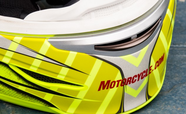 The chinbar vents deliver fog-preventing airflow to the visor and cooling air to the rider's face.