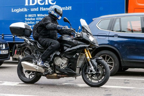 082014-spy-photo-2015-BMW-S1000-XR-02