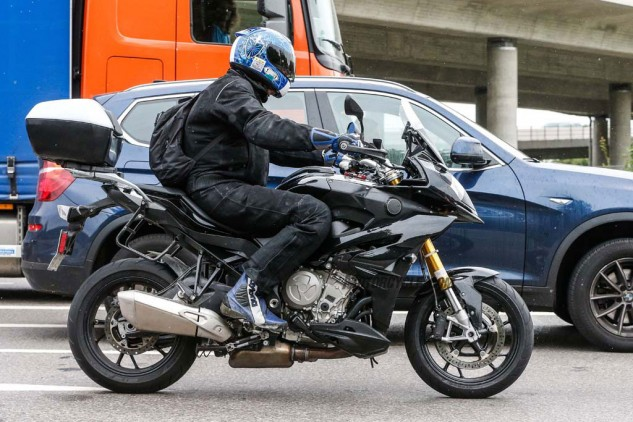 082014-spy-photo-2015-BMW-S1000-XR-03