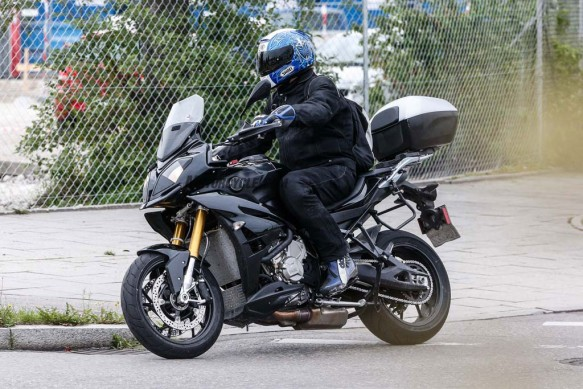 082014-spy-photo-2015-BMW-S1000-XR-06