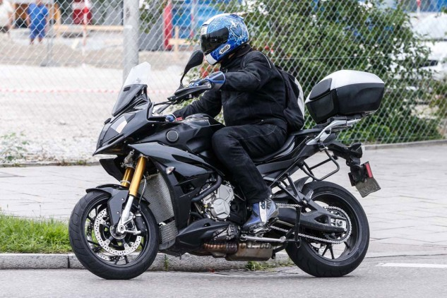 082014-spy-photo-2015-BMW-S1000-XR-07
