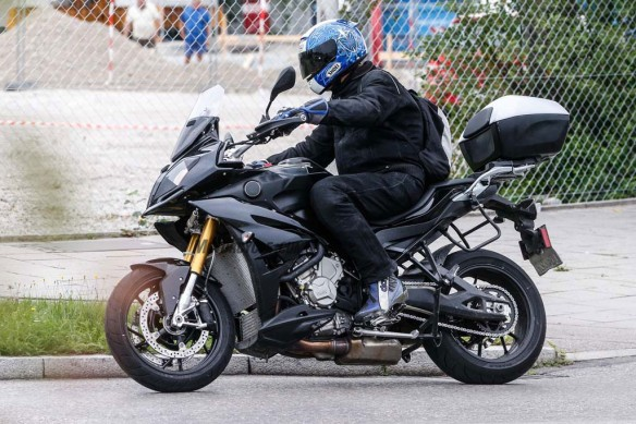 082014-spy-photo-2015-BMW-S1000-XR-08