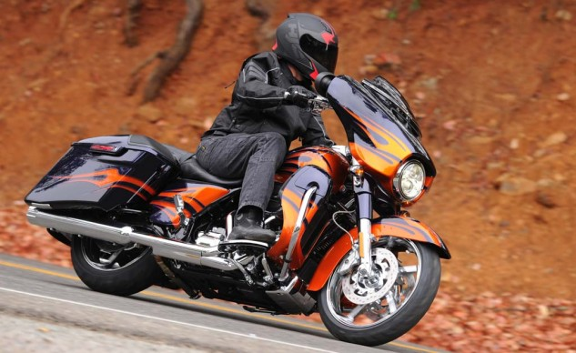 The CVO Street Glide has the same ample ground clearance that we loved in the Street Glide Special, last year.