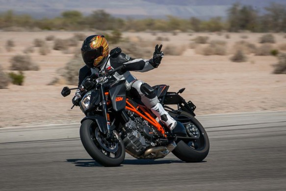 best-hooligan-streetfighter-winner-2014-ktm-1290-super-duke-r