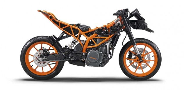 090114-2015-ktm-rc390-390_rc_stripped