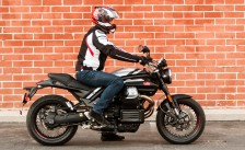 090214-RetroRoadsters-MotoGuzzi-RidingPos-0622