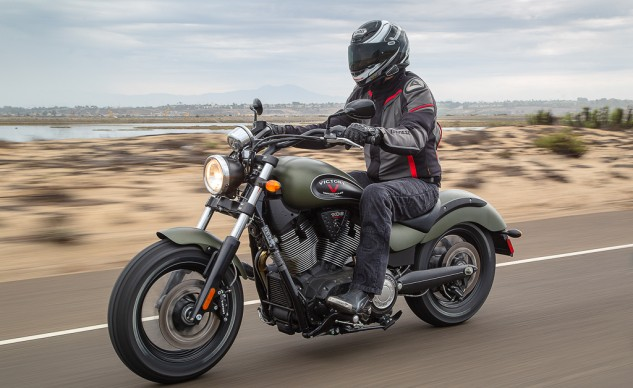 """""""Other than the Scout, the Gunner was the most pleasant surprise when testing this septet. The Freedom 106 motor churns out torque like nothing else in this comparison, giving the effortless thrust we've come to know and love from big-inch V-Twins."""" – Kevin Duke"""