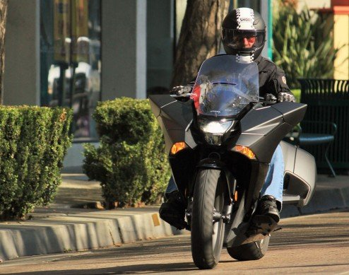 2015-Honda-NM4-Action-Front
