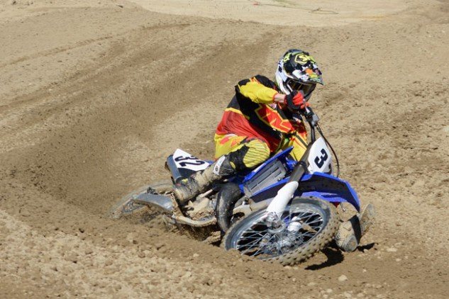 2015 YZ125 Action Outside Cornering
