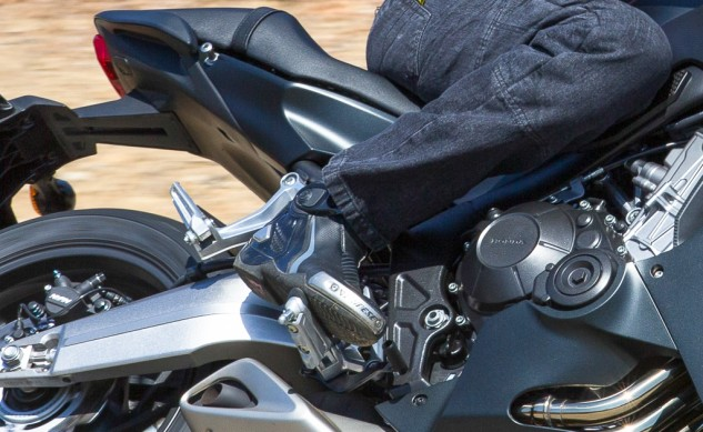 Dainese-TorqueRSOutBoots-Review-8200