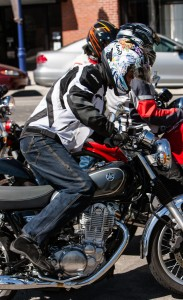 Here, witness Roderick at his many failed attempts at kicking the SR400 to life. His appreciation for electric starters has increased dramatically ever since.