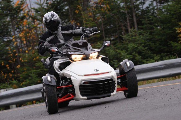 100214-2015-can-am-spyder-f3-TR1_8206