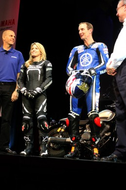 101614-2015-yamaha-yzf-r3-colin-alyssia-edwards