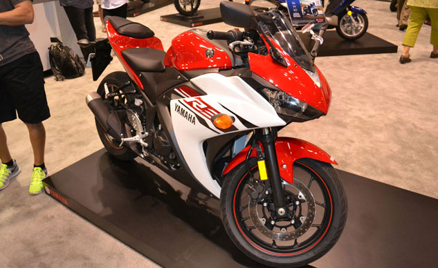 101614-2015-yamaha-yzf-r3-intermot-video-f