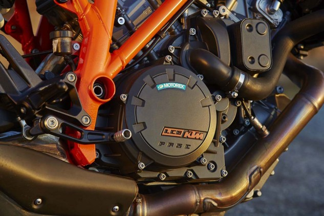 For lack of a better word, the 1301cc LC8 V-Twin in the KTM is simply jaw dropping. Brutal torque and acceleration is met with refined fuel mapping to create an engine that ranks up there amongst the best for the entire MO staff.
