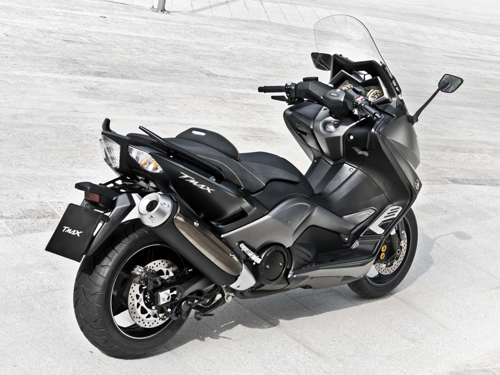 2014 eicma 2015 yamaha tmax preview. Black Bedroom Furniture Sets. Home Design Ideas