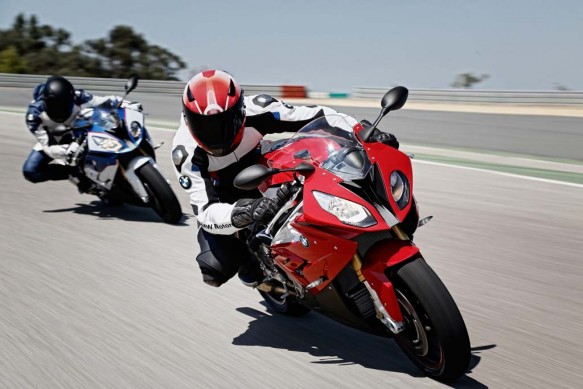 111814-2015-bmw-s1000rr-action