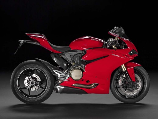 111814-2015-ducati-1299-panigale-right-side