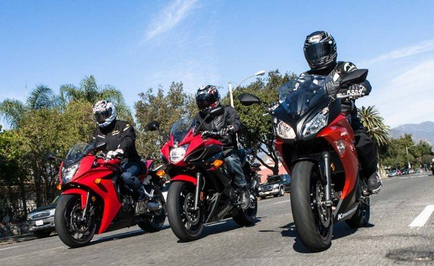 Looking for an intermediate-level bike to commute and play on the weekends, but prefer full fairings and more wind protection? Honda, Kawasaki and Yamaha have something for you.