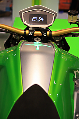 Like the Ego, the Eva features a color TFT instrument cluster.