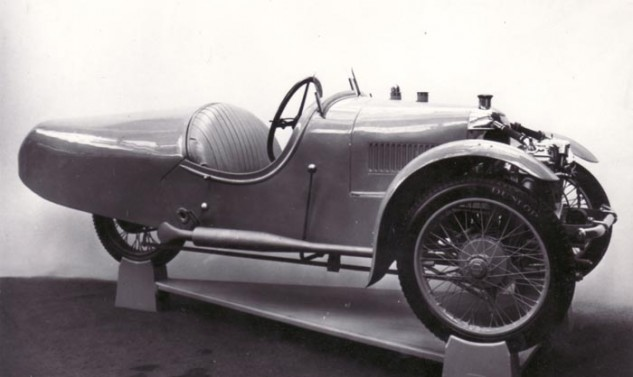 The Morgan Super Aero, of which you can see many styling cues that have carried over throughout the years.