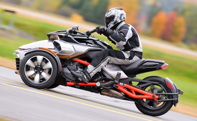 120914-firstgear-tpg-expedition-suit-2015-can-am-spyder-f3-TR1_7226
