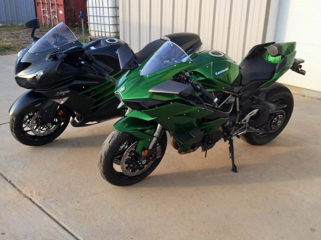 For comparison to the H2, Gadson brought along a low-mileage ZX-14R that had also been lowered, the front end modified internally to lower it even further than the H2.