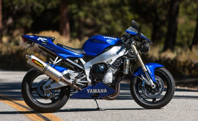 121614-project-r1-yamaha-right-side-beauty