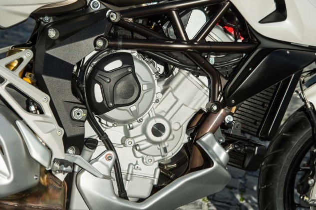 The 800cc Triple has its own dedicated tune with a bias towards torque rather than all-out top end power. Claimed max torque is 58 lb-ft @ 9000 rpm and max power of 115hp @ 11,000 rpm.