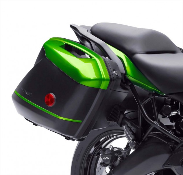 Kawasaki is getting its design money's worth out of these Ninja 1000 bags. They look just as good on the Versys as they do on the green bike.