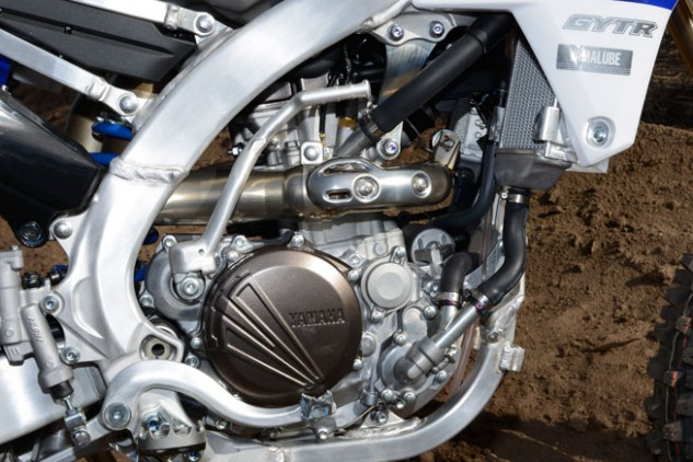 The YZ250F's fuel-injected, reverse-inclined, DOHC engine features the same 77.0 x 53.6mm bore and stroke as the YZ250F, but its ECU, six-speed transmission and electric starter are intended to give it an edge in off-road racing.