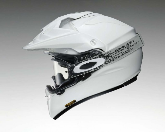 The quick-release shield simplifies shield changes or removal for cleaning. The shield also opens wide enough to accept goggles without having to remove the shield.