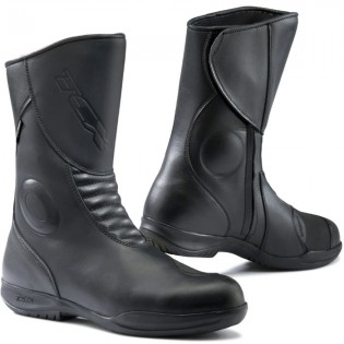 011215-buyers-guide-boots-tcx-x-five-waterproof-boots-black-mcss