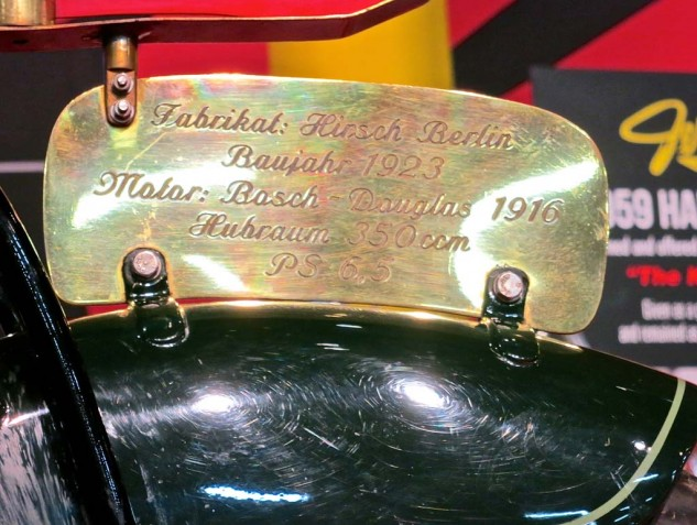 The fender plaque dates the engine at 1916.
