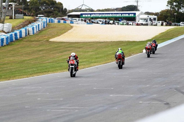 Jed Metcher leads the legends. His Katana was the most reliable of the weekend.