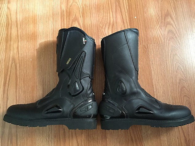 Sidi Armada boots with and without the wrap-around upper and ankle braces. It's a small but visually noticeable difference. For the motorcyclist with more than one motorcycle the boots make good sense.