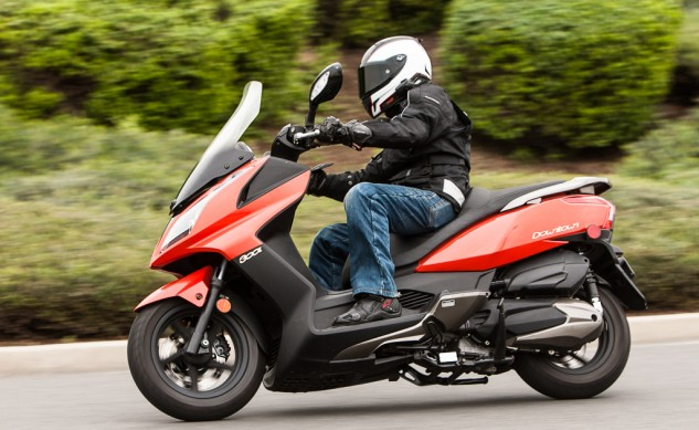 021315-300Scooters-Kymco-Downtown300i-action-4896