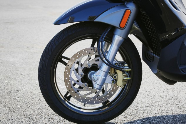 A single 300mm disc and two-piston caliper takes care of stopping duties in the front. Braking power feels strong enough, and combined with the 240mm rear disc, brings the BV to a stop quickly.