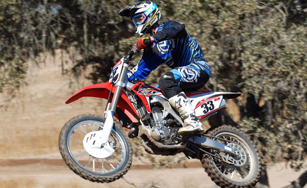 030515-readers-choice-dirt-bike-2015-honda-CRF450R-f