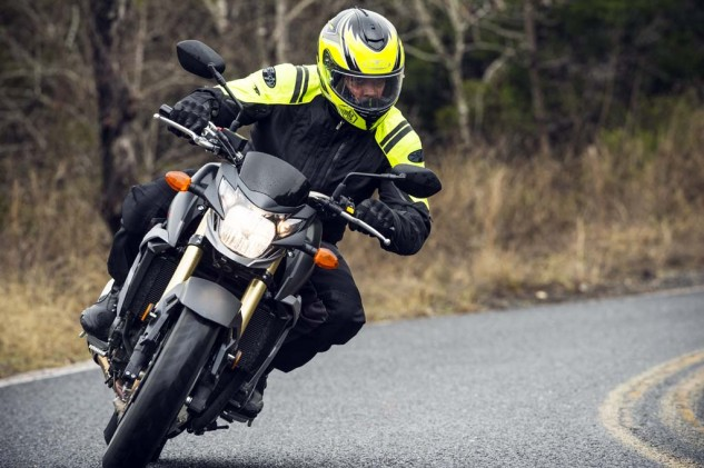 This is the extent of lean angle I was willing to risk on our cold, rainy ride day. Too bad, because the GSX-S750 seems a willing companion. It's heavier than the FZ-09 on the spec sheet, but it was impossible to tell if the GSX hides its extra pounds or suffers because of them.