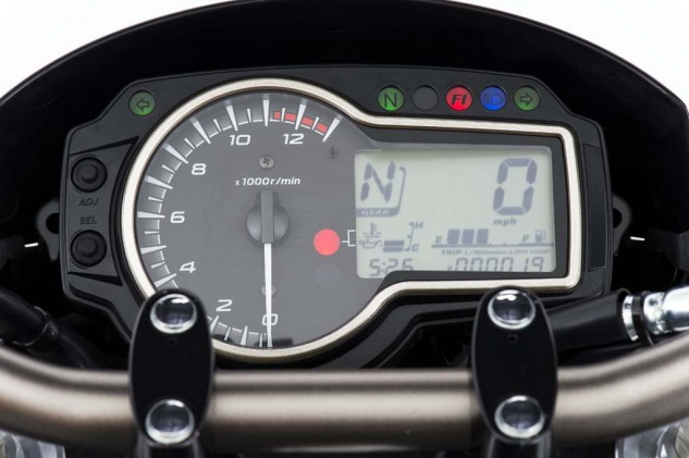 The instrument cluster is simple and legible and includes a gear position indicator, clock and fuel gauge. A nice feature is the cluster's adjustable brightness. The FZ-09 is ride-by-wire with three power modes, the GSX-S's throttle is cable operated with no power mode selection.