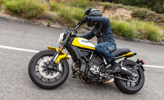 031915-2015-ScramblerShootout-Ducati-action-5676