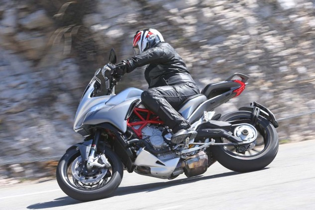 043015-2015-mv-agusta-turismo-veloce-800-Action 1